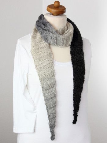 Musterteil Kleiner Schal grau/weiß